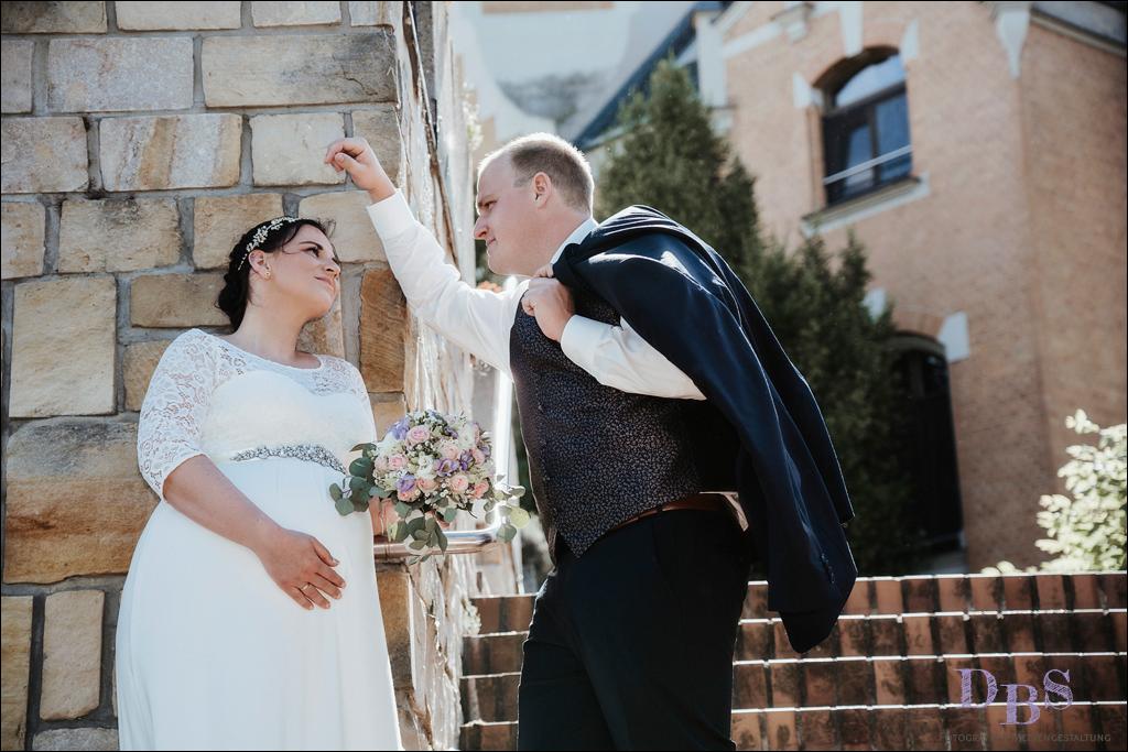Brautpaar Goitzsche Bernsteinvilla Schwangere Braut